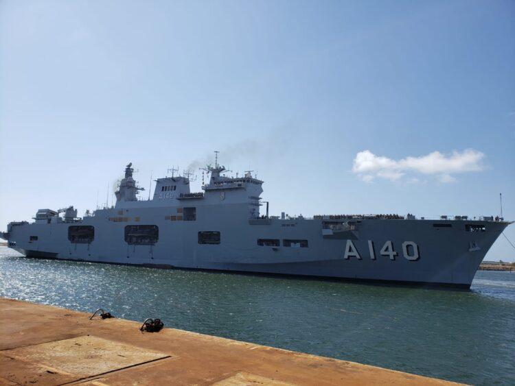 البرازيل - سفينة هجوم برمائية / حاملة طائرات