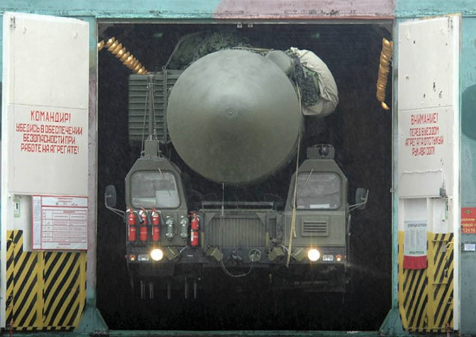 RS-28 Sarmat ICBM balistik füze - Rusya