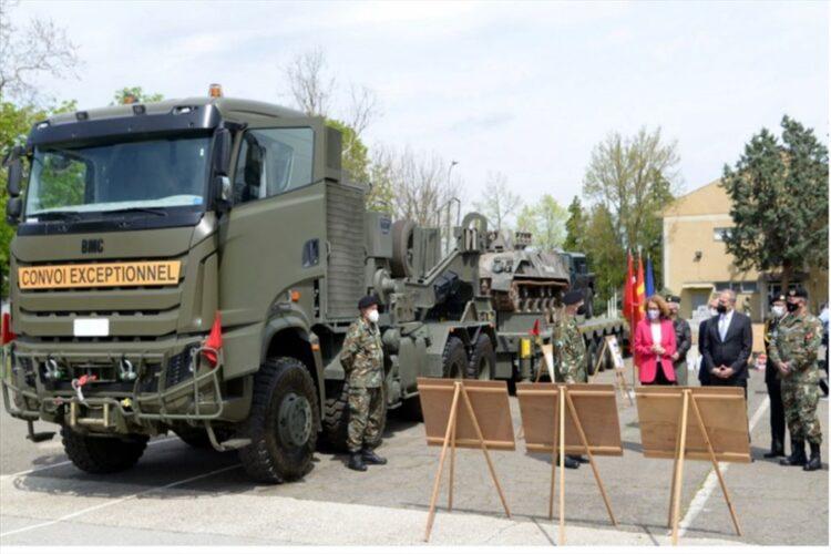 Türkiye, Kuzey Makedonya'ya 8×8 Tuğra tank taşıyıcı hibe etti